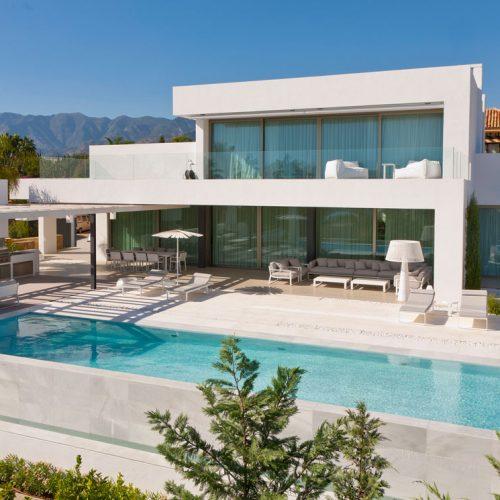 Villa en mármol 'Blanco Macael'